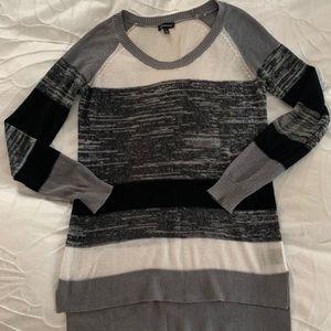 Le Chateau Lightweight Tunic Sweater